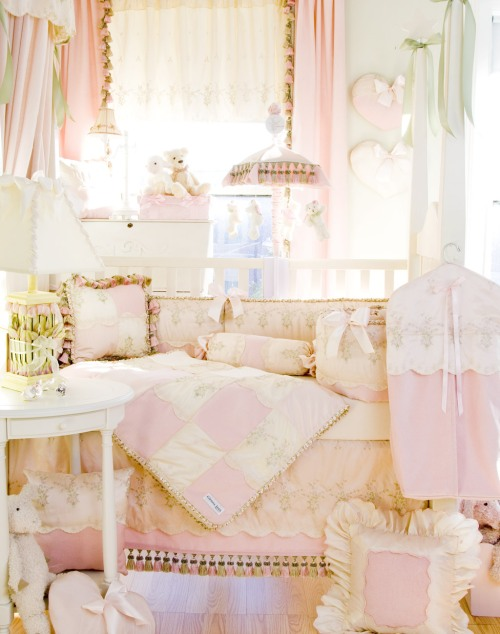baby-ella-room-shot