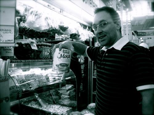 Olhem o tamanho dessa lata de leite condensado!!!